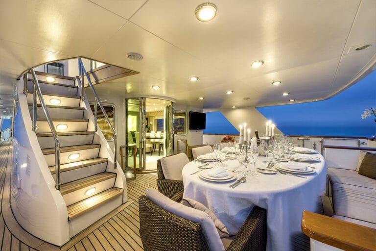 Luxury Motor Yacht SUPERFUN Al fresco dining