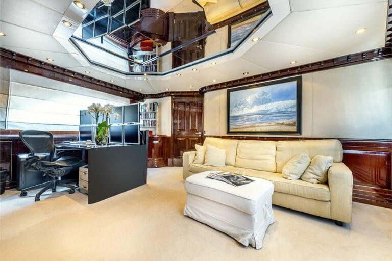 Luxury Motor Yacht SUPERFUN Lounge