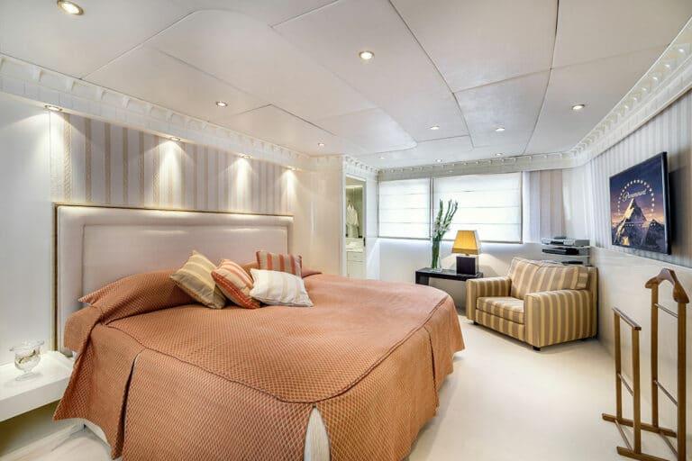 Luxury Motor Yacht SUPERFUN Master Suite