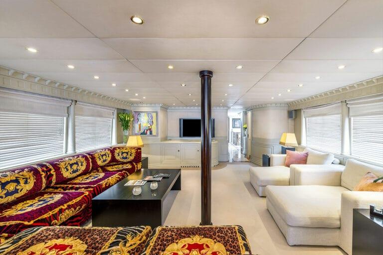 Luxury Motor Yacht SUPERFUN Saloon