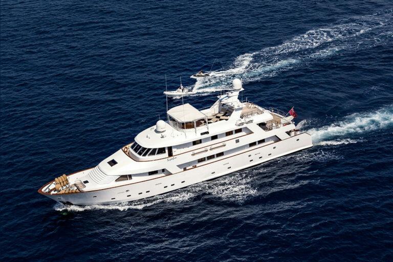 Luxury Motor Yacht SUPERFUN Sailing