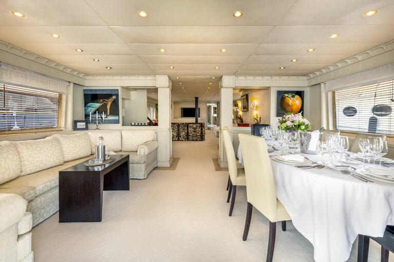 Luxury Motor Yacht SUPERFUN Saloon 2