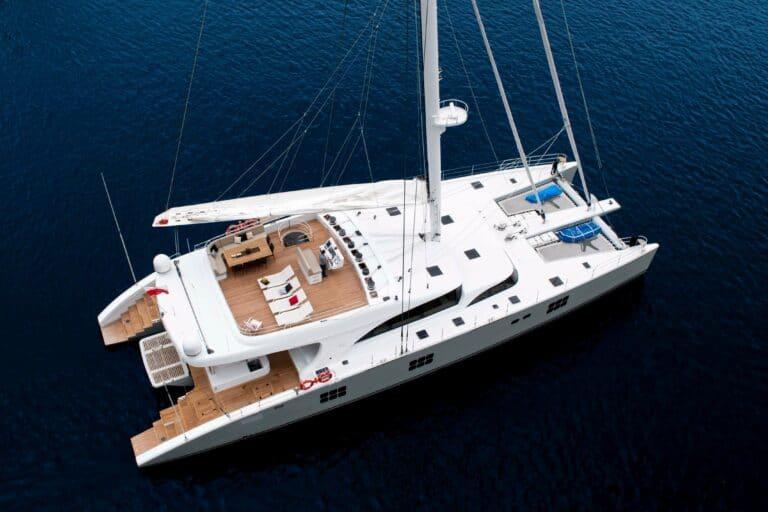 Sailing Catamaran IPHARRA sailing