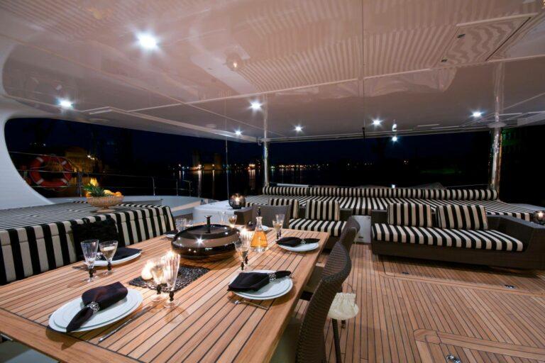 Sailing Catamaran IPHARRA Dining