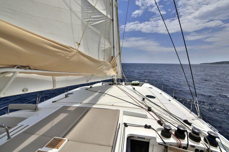 Luxury Catamaran WORLD'S END Sun Deck