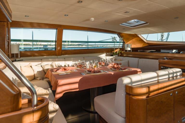 Sailing Yacht GRAND BLEU VINTAGE - dining