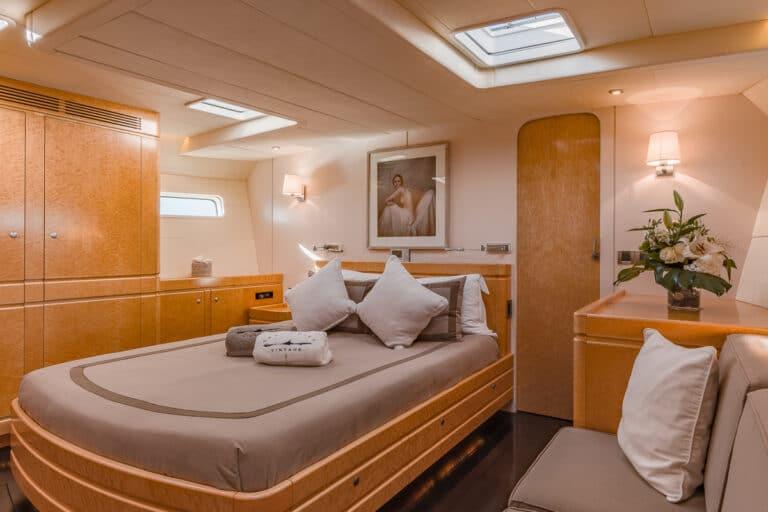 Sailing Yacht GRAND BLEU VINTAGE - cabin