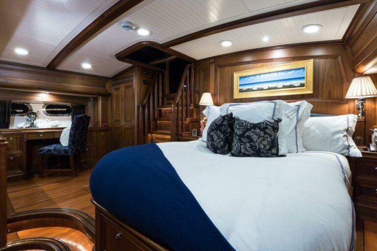 Luxury Sailing Yacht MARAE - Master bedroom