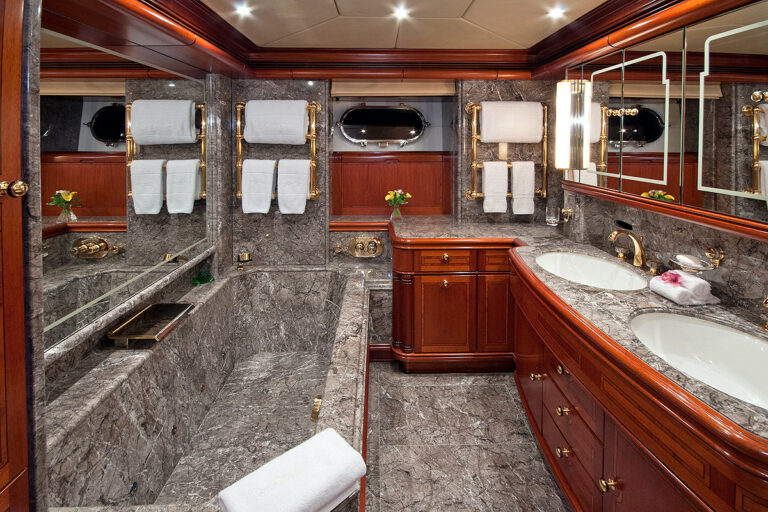 Luxury Sailing Yacht HYPERION - Master Bathroom
