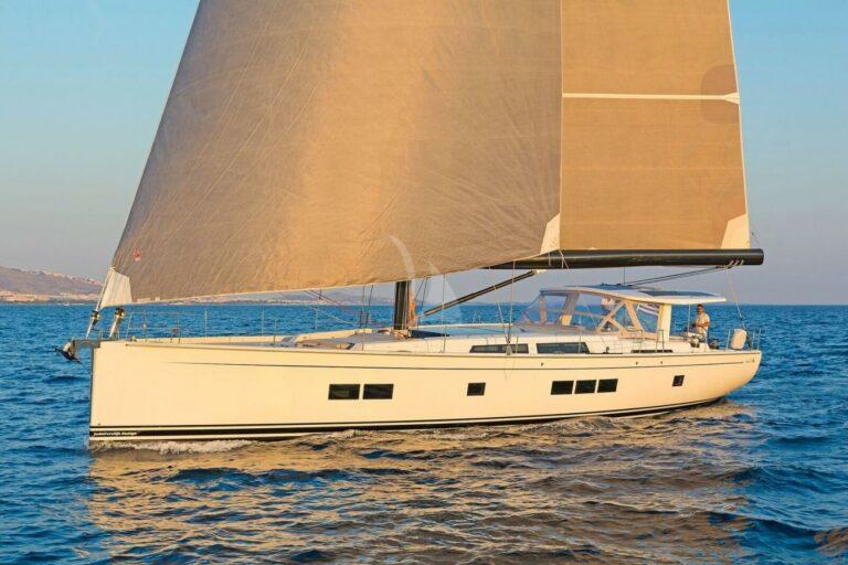 Luxury Sailing Yacht NADAMAS from startboard