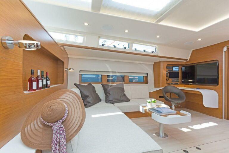 Luxury Sailing Yacht NADAMAS Living