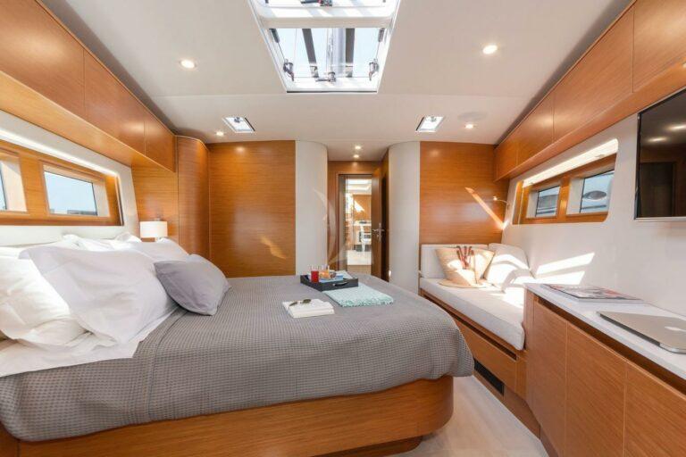 Luxury Sailing Yacht NADAMAS Master bedroom