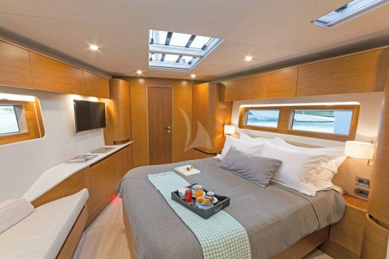 Luxury Sailing Yacht NADAMAS Master Suite