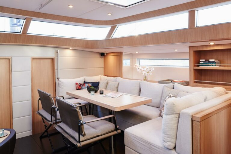 Sailing Yacht PH3 interior