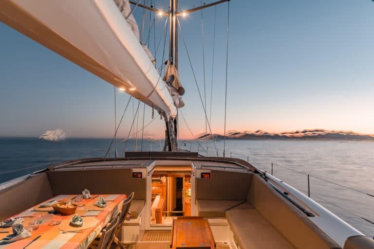 Sailing Yacht GRAND BLEU VINTAGE - Sundeck Sunset
