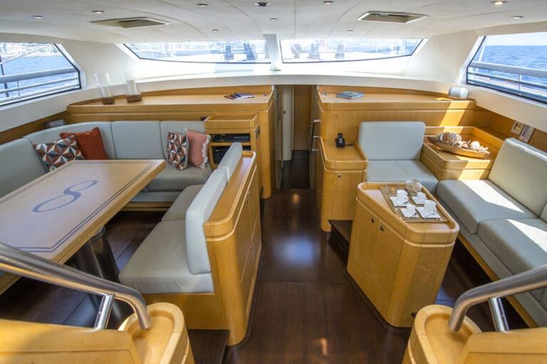 Luxury Yacht LADY 8 - Salon from cockpit