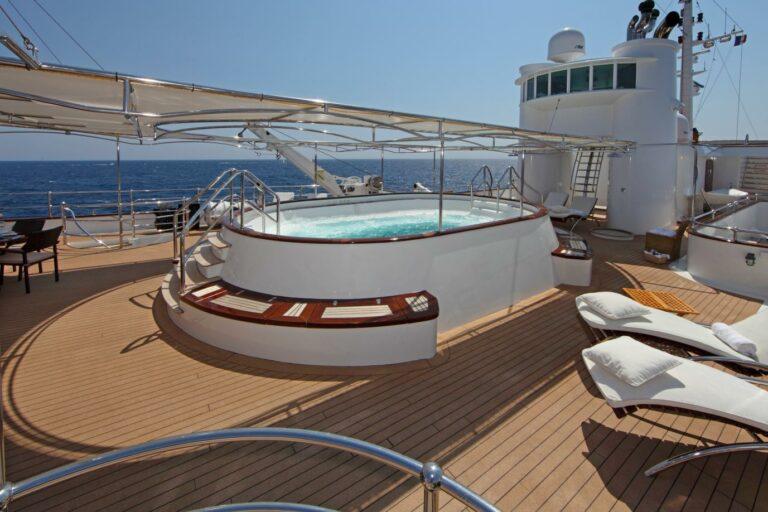 Swimming Pool/jacuzzi on deck of MY SHERAKHAN charter yacht