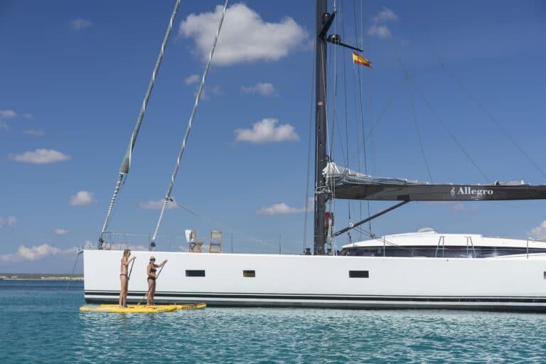 Luxury Yacht Allegro - SUP