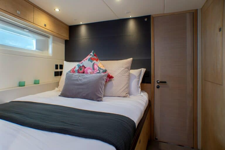 Champagne Hippy Luxury Sailing Yacht - Cabin 2