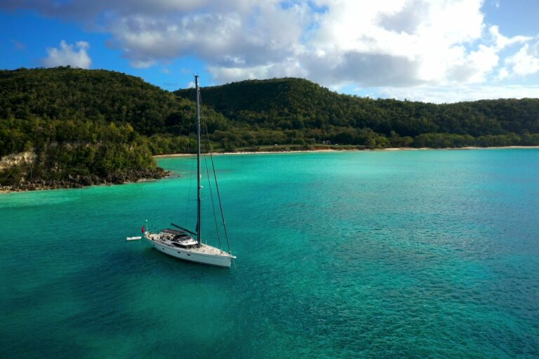 Champagne Hippy Luxury Sailing Yacht - In a beautiful bay