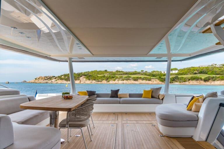 Luxury Catamaran Early bird - Aft Deck