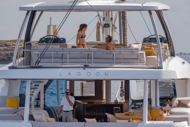 Luxury Catamaran Early bird - Guests enjoying