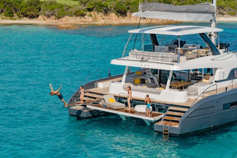 Luxury Catamaran Early bird - Water fun