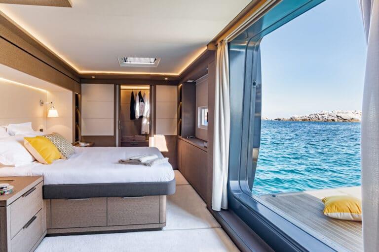 Luxury Catamaran Early bird - Master Cabin view