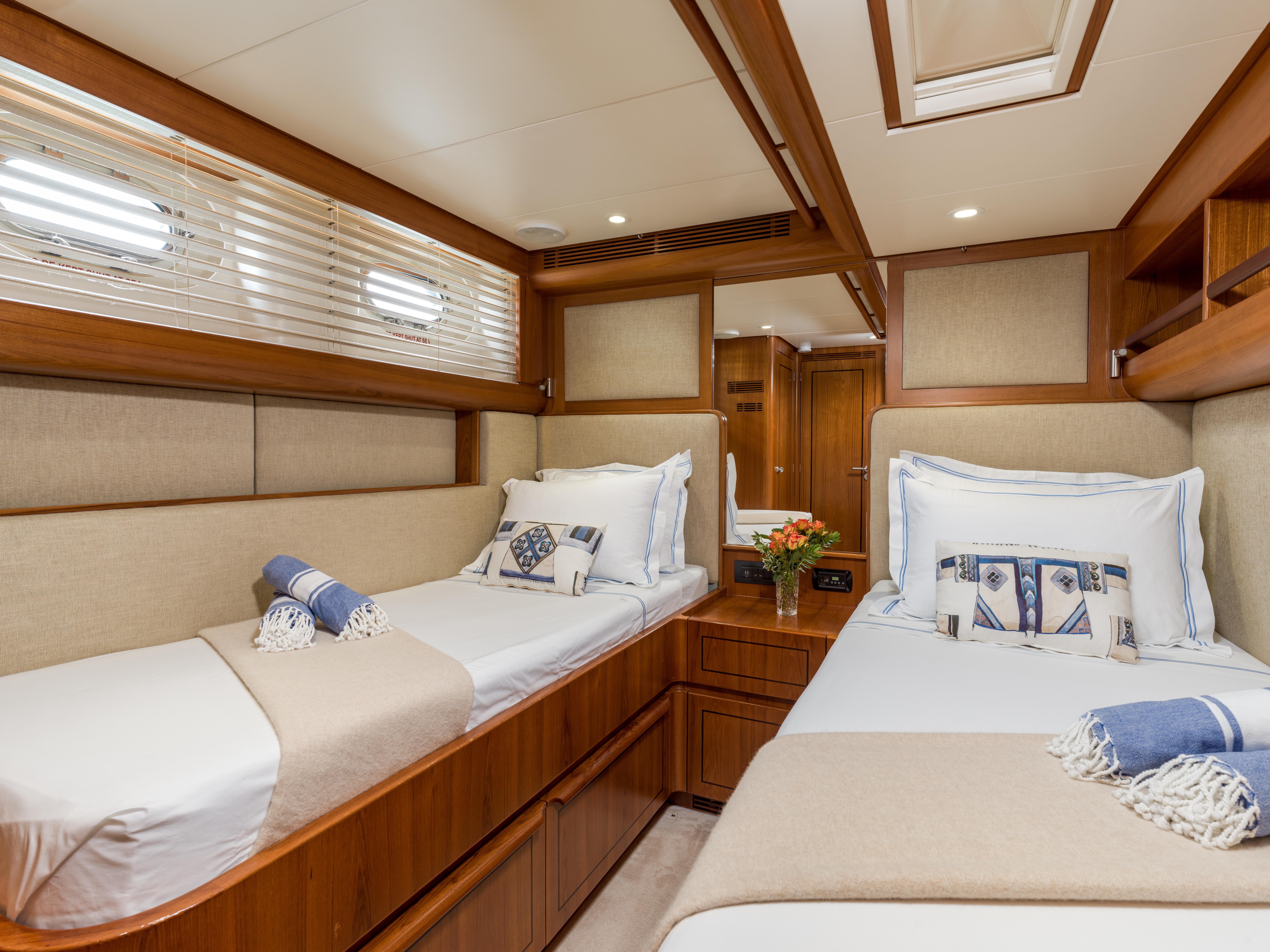 Vivid Jongert Sailing Yacht - Twin